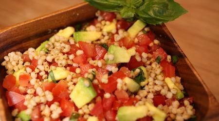 Tomatoe and Avocado Salad with Wondergrain